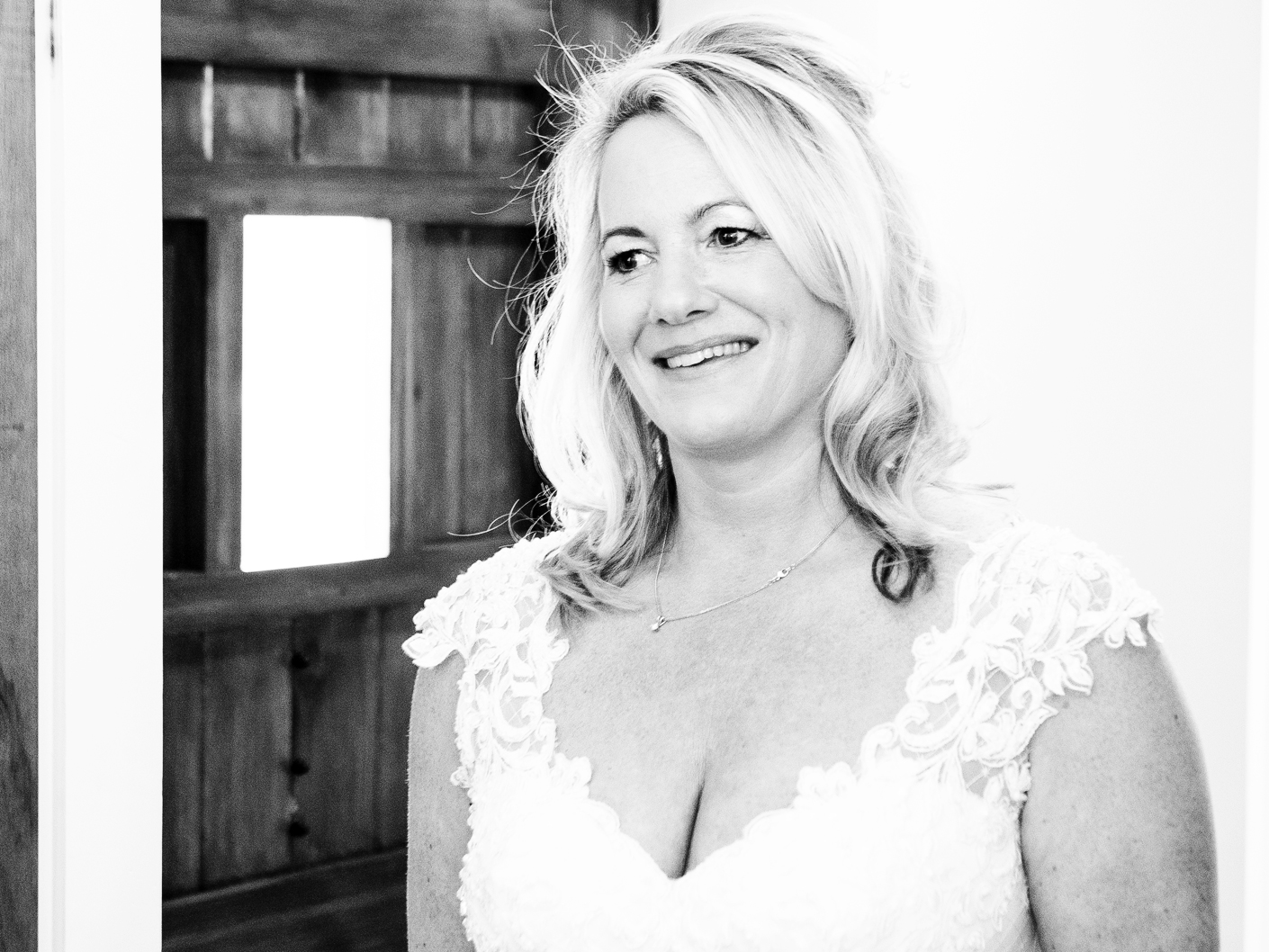 wedding-photography-of-the-bride-at-sandhole-oak-barn-congleton-cheshire