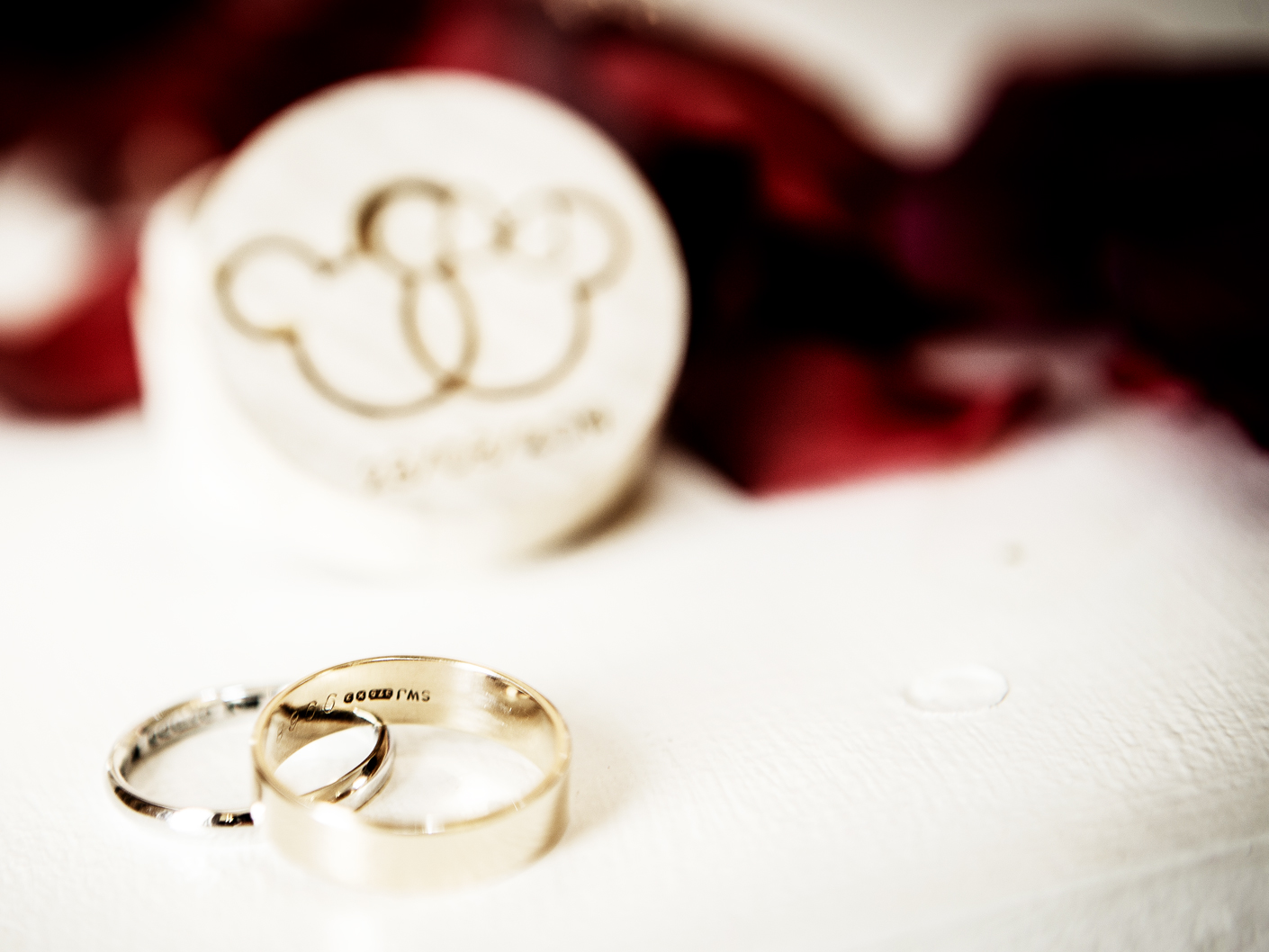 photography-of-the-wedding-rings-at-nunsmere-hall-cheshire