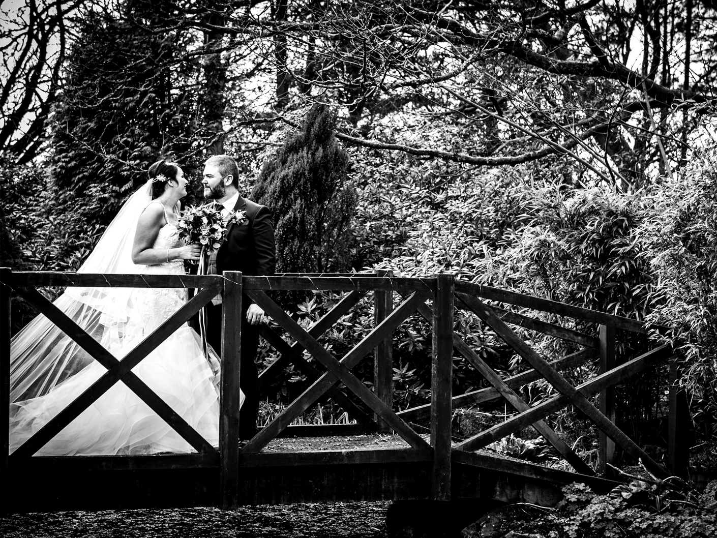 wedding-photographer-in-nunsmere-hall-cheshire