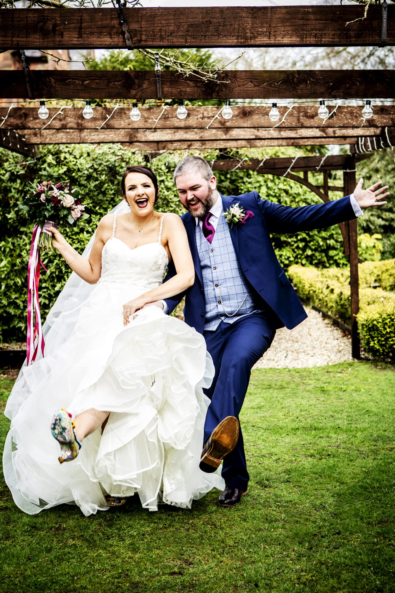 wedding-photography-of-the-bride-and-groom-at-nunsmere-hall-in-cheshire