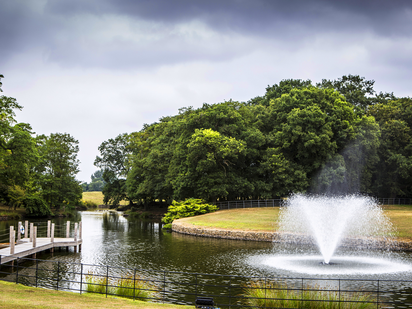 photography-of-the-grounds-at-Merrydale-Manor-Cheshire