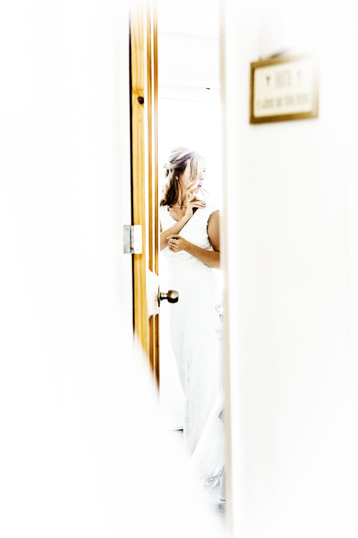 wedding-photography-of-the-bride-getting-ready-in-didsbury-manchester