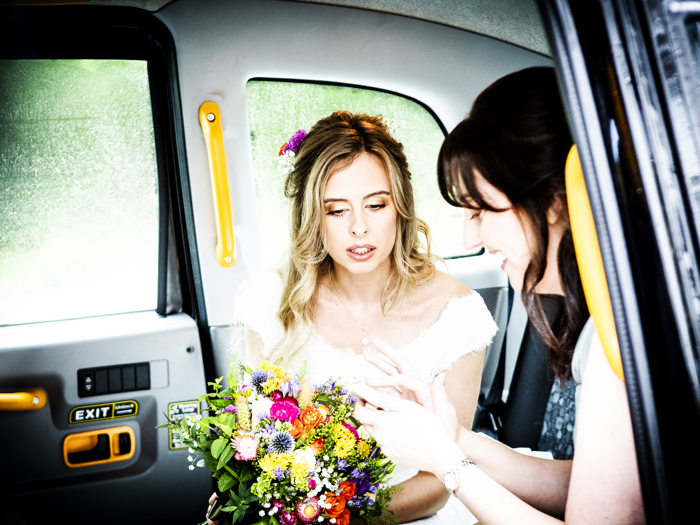 wedding-photography-of-the-brides-arrival