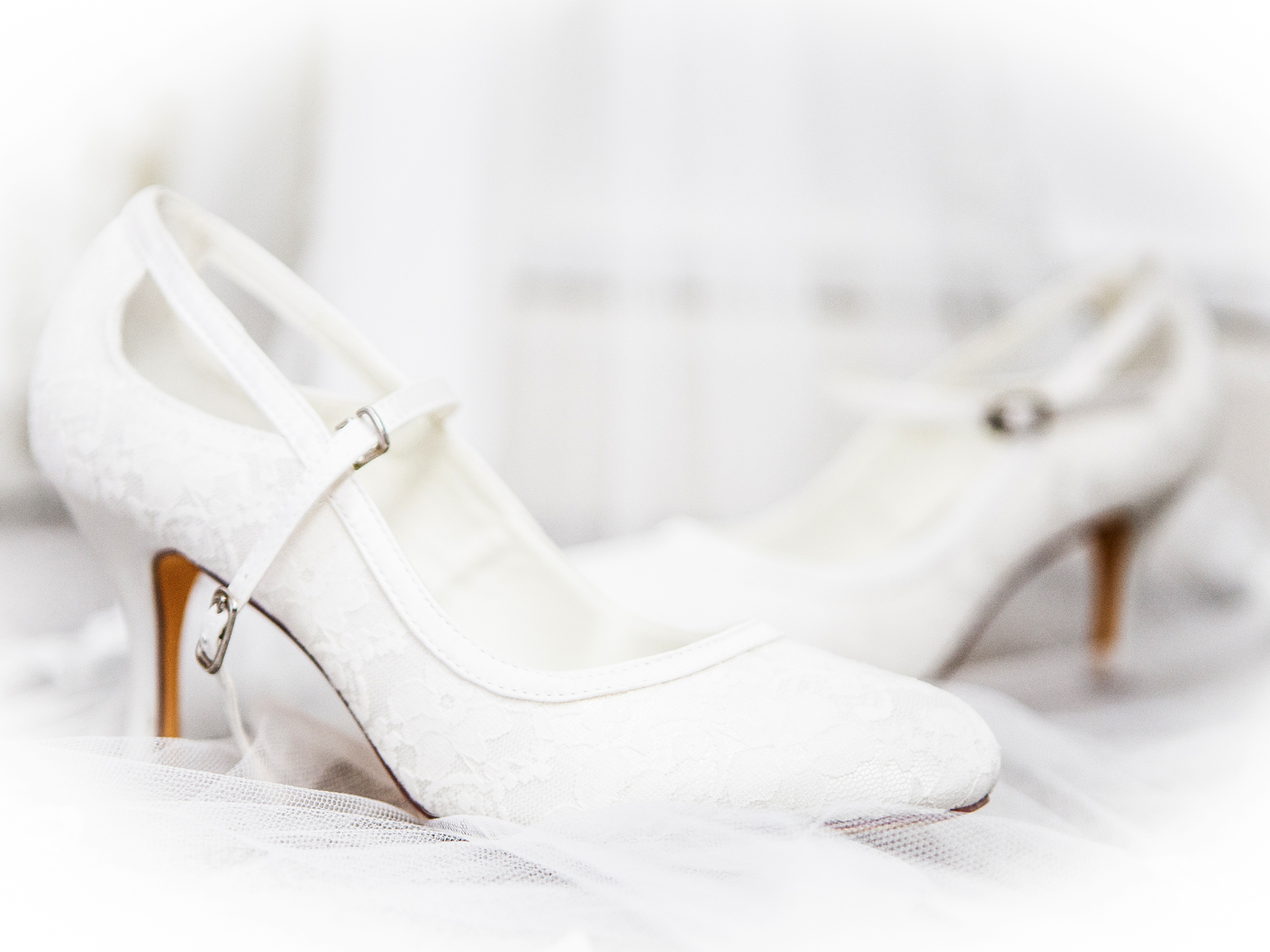 photography-of-the-brides-shoes-manchester