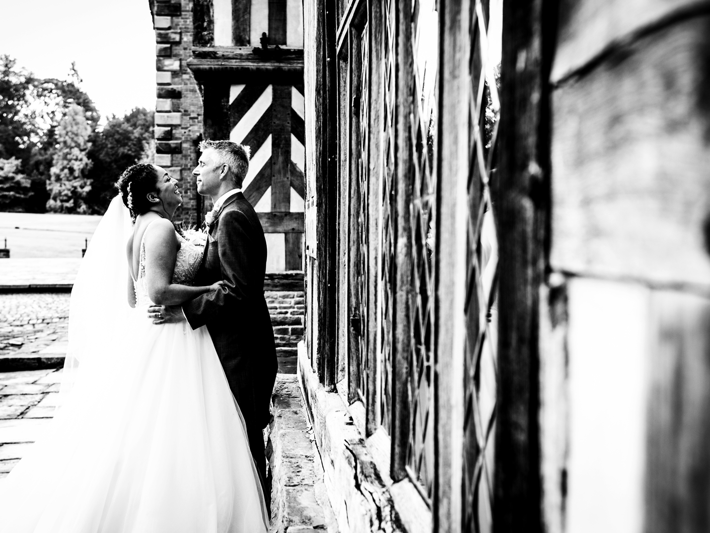 black-and-white-wedding-photography-of-the-bride-and-groom