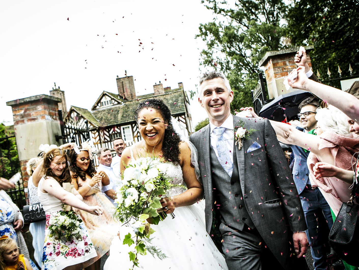 photography-of-the-confetti-in-cheshire