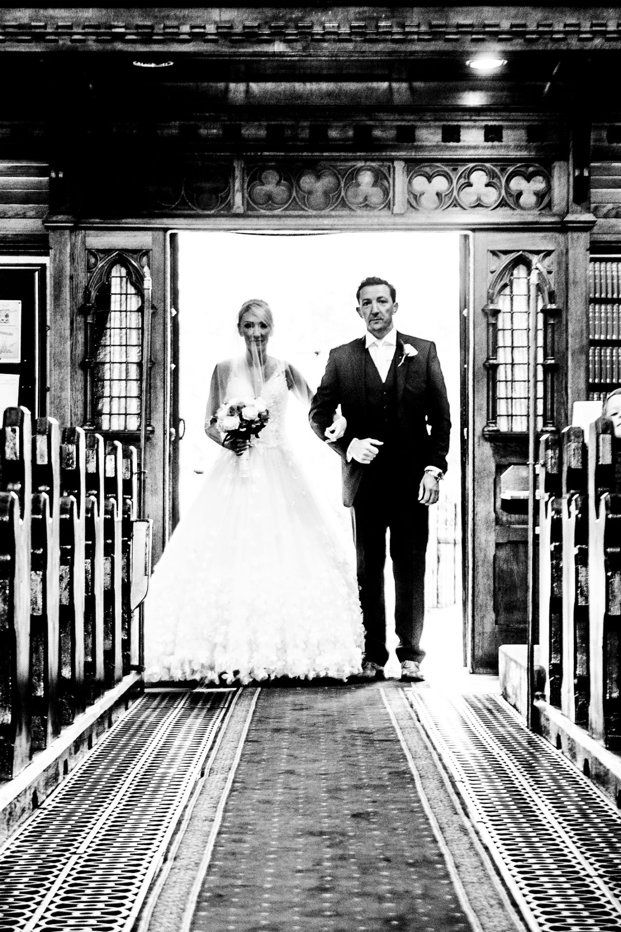 photography-of-the-bride-arriving-at-church-in-wirral-cheshire