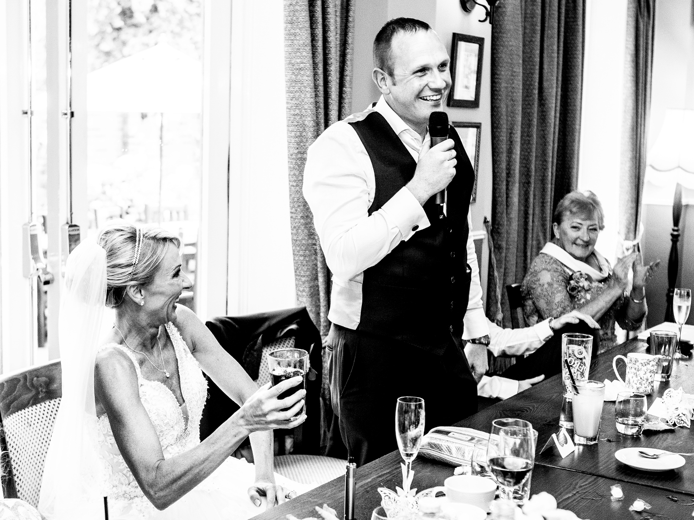 photography-of-the-wedding-speeches-in-cheshire