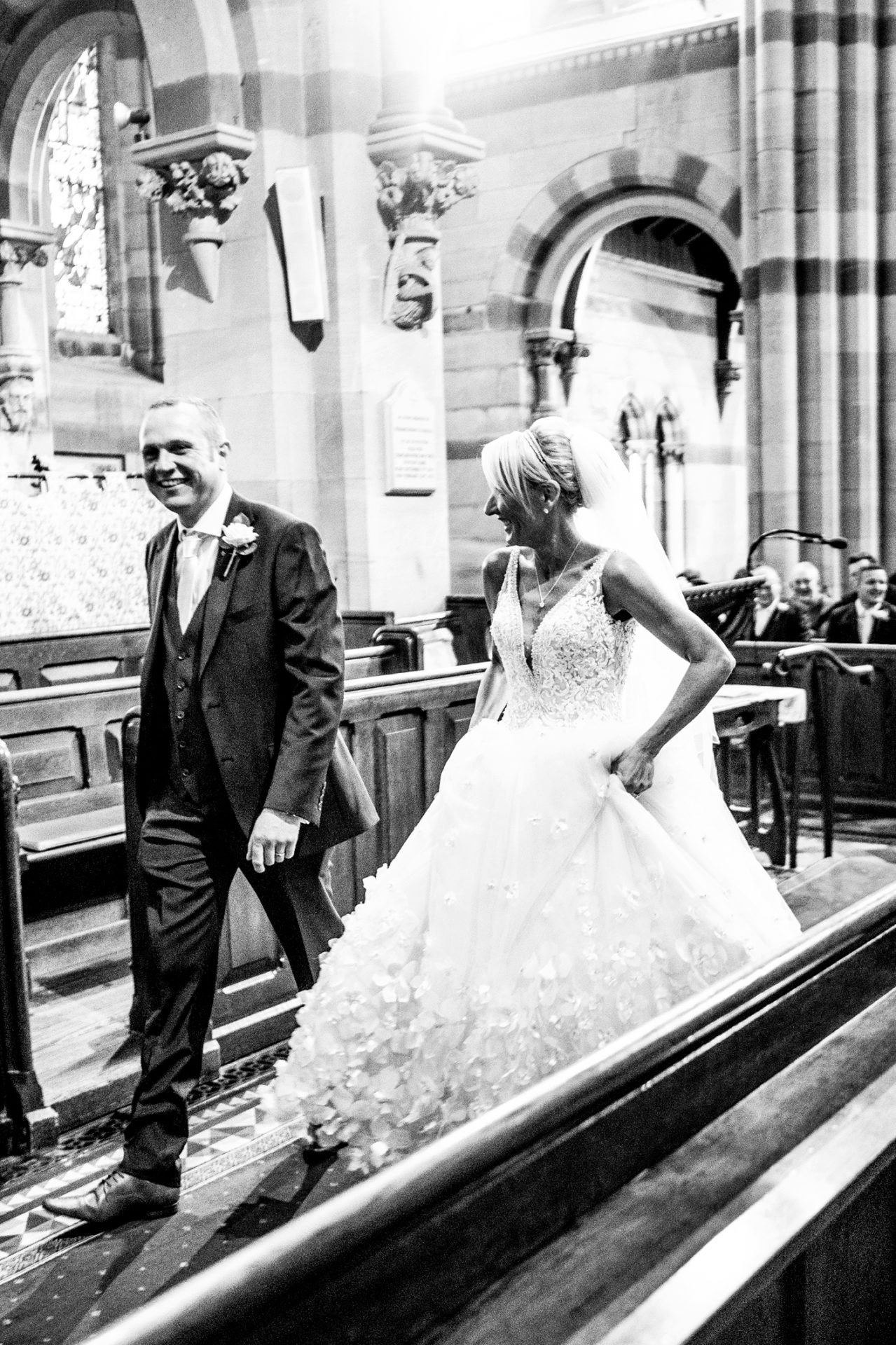 relaxed-and-informal-wedding-photography-in-the-wrral-cheshire