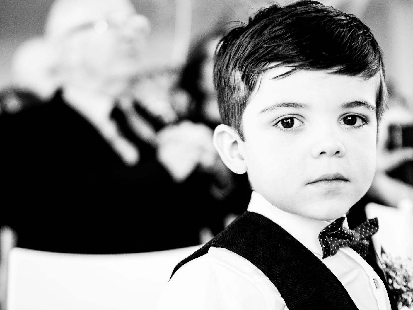 photography-of-the-pageboy-at-the-hope-street-hotel-liverpool
