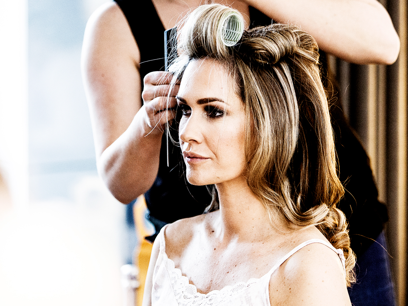 the bride-getting-ready-at-hope-street-hotel-liverpool