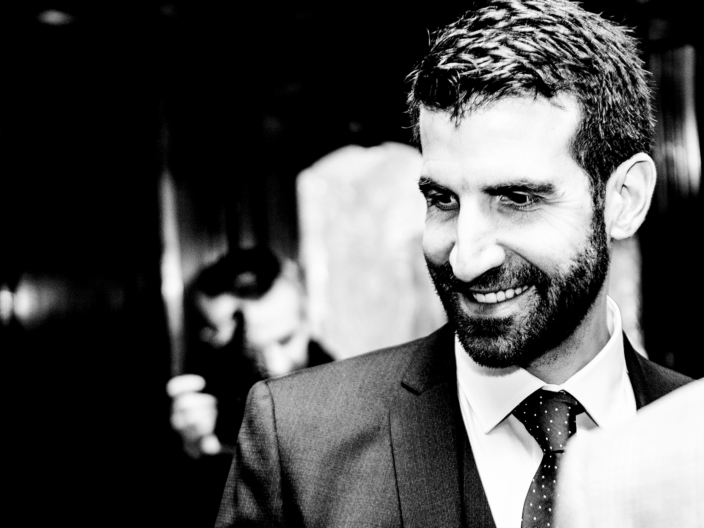 wedding-photography-of-the-groom-at-hope-street-hotel-liverpool