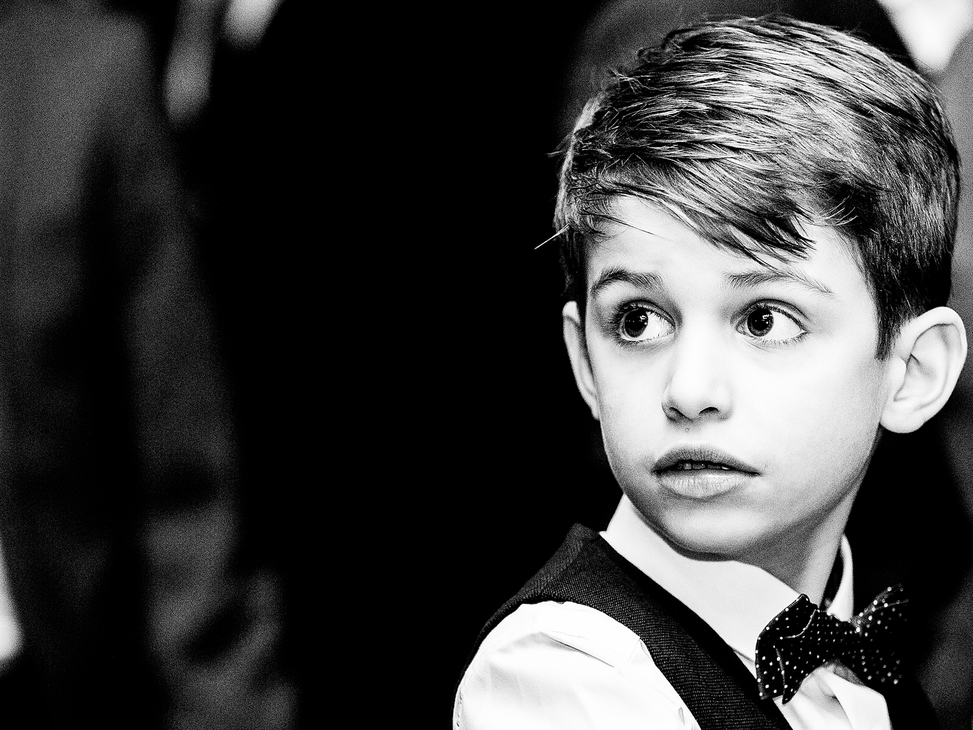 wedding-photography-of-the-page-boy-at-hope-street-hotel-liverpool