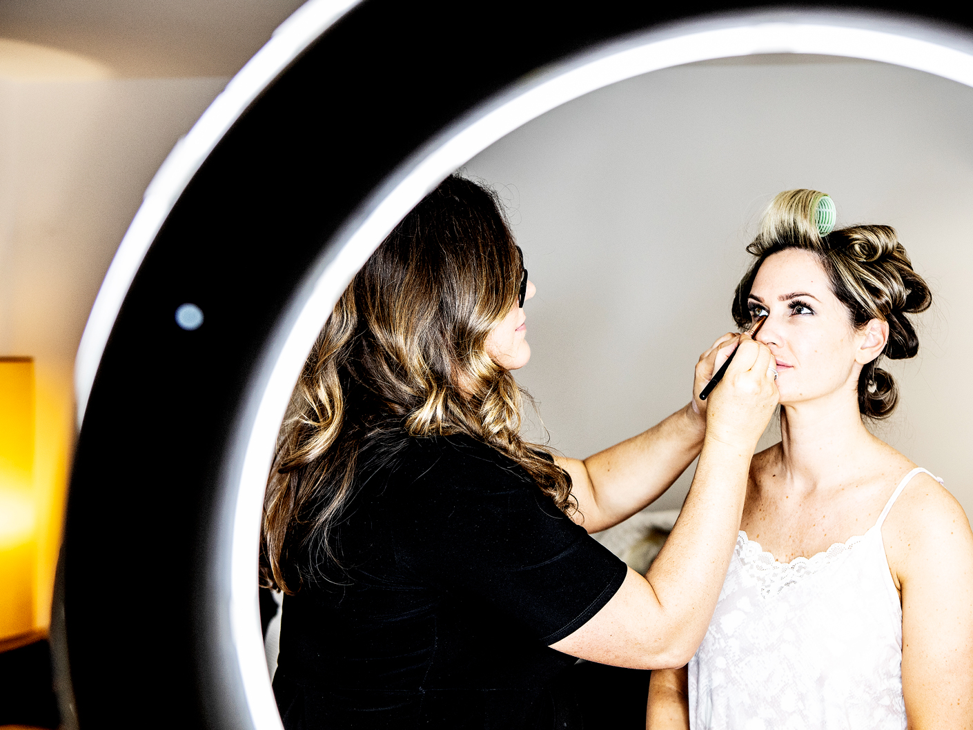 wedding-photography-of-the-preparations-at-hope-street-hotel-liverpool